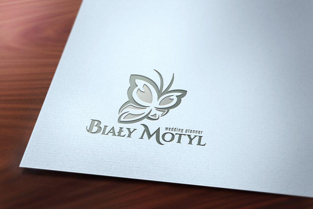 logo z motylem